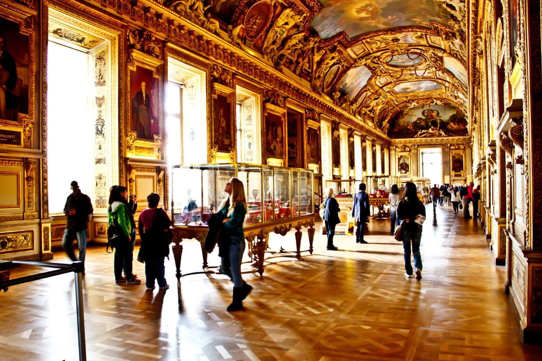 Mus e du louvre les collections ne pas manquer for Louvre interieur