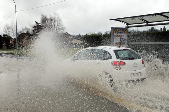 DIRECT - Pluies et inondations: l'Aude, l'Hérault et les Pyrénées-Orientales en alerte