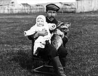 A chacun son histoire, Saint-Pierre-et-Miquelon : Louis Thomas, médecin photographe à Saint-Pierre-et-Miquelon