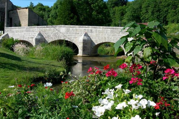 Rollainville, son pont et son gué