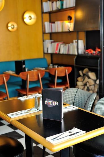 L'Ecir Café  - côté bibliothéque -