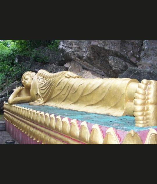 Bouddha entrant dans le Nirvana
