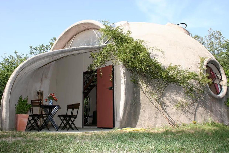10 maisons atypiques moins de 50 000 euros. Black Bedroom Furniture Sets. Home Design Ideas