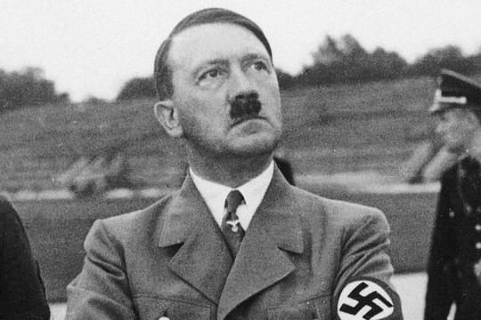 Adolf Hitler : biographie du dictateur nazi