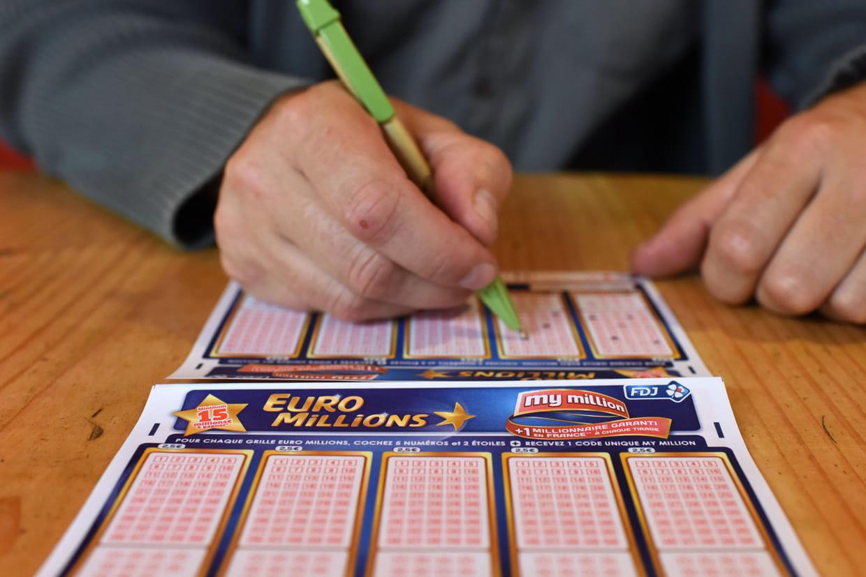Casino world free online poker
