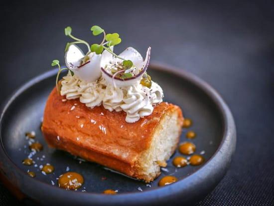 Dessert : La Poule Noire  - Baba exotique -   © FannyDamien