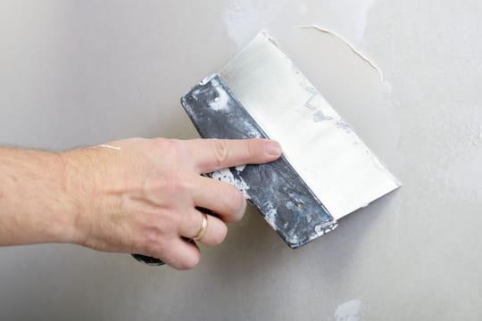 Le rebouchage et le lissage d'un mur: les étapes