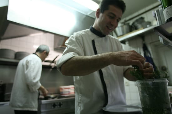 Saucisson et Beajolais  - Saucisson et Beaujolais, en cuisine -   © Cyril Schmitt