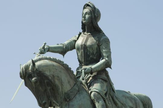 Jeanne d'Arc: biographie et histoire de la pucelle qui finit au bûcher