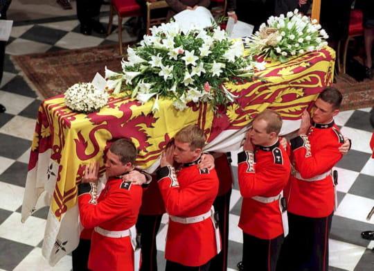Des obsèques très médiatiques