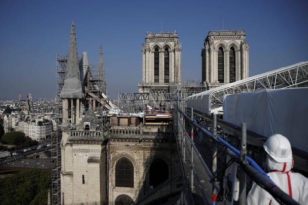"""Reconstruction de Notre-Dame de Paris: le """"chantier du siècle"""" en images"""