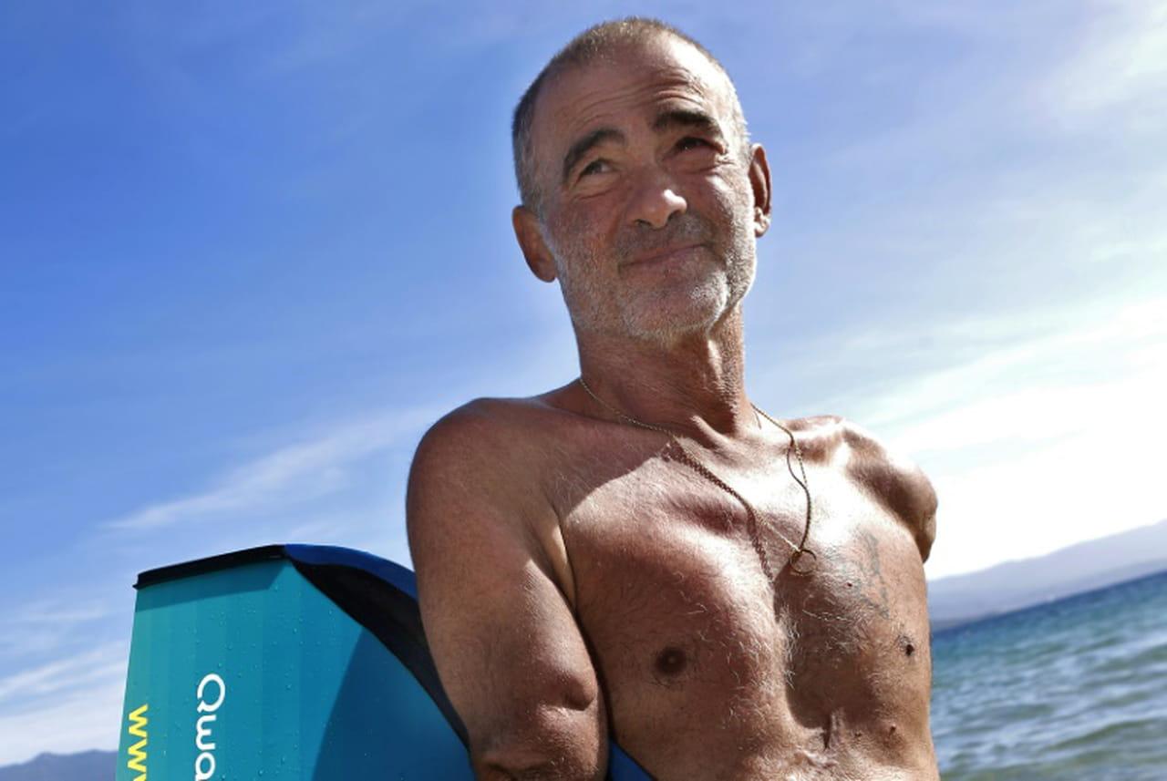 Amputé des deux bras, le nageur Thierry Corbalan boucle le tour de Corse à la nage en 6jours