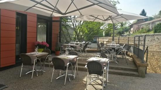 La Table d'Albigny  - la terrasse en été -