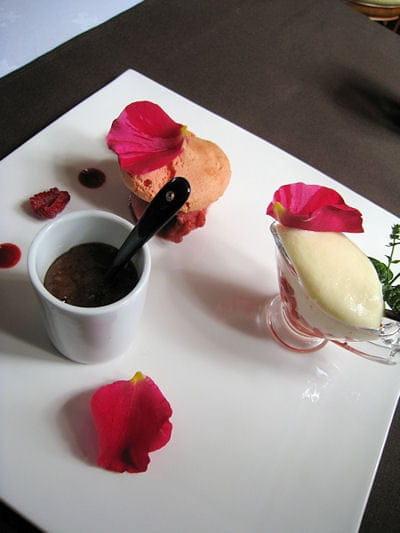 Auberge de la Pomme  - Trilogie de desserts -   © L'Internaute Magazine / Julie Gerbet