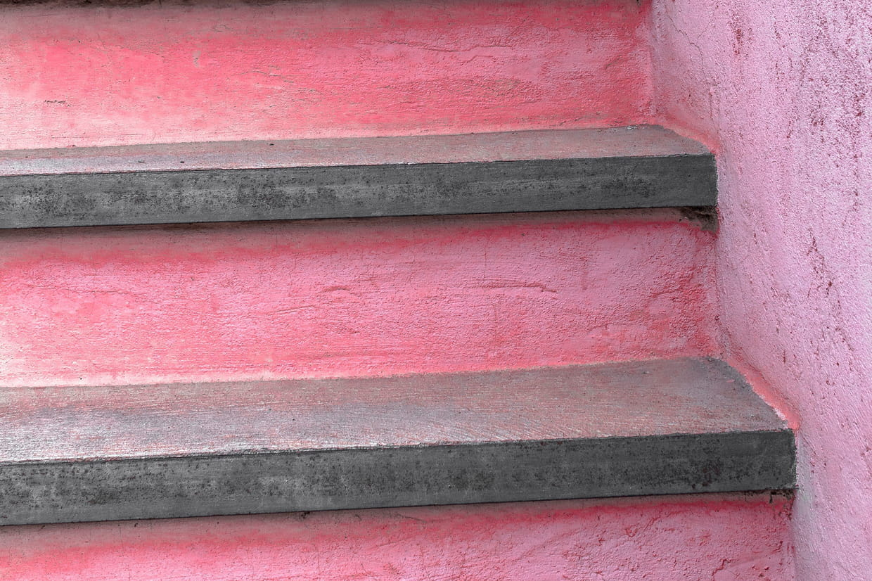 Casser Un Escalier Beton un escalier en béton coloré