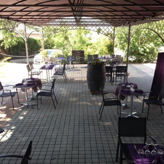 Restaurant : L'Intemporel  - Sous la tonelle avec brumisateur -