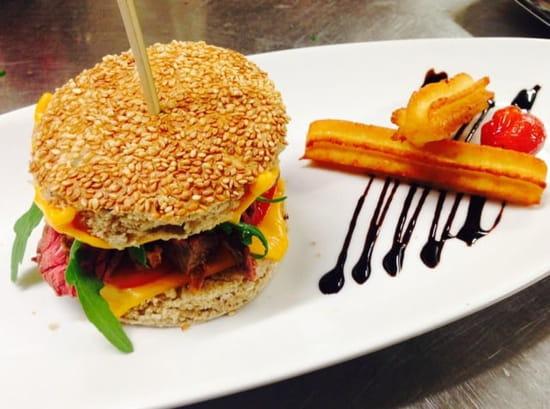 Plat : La Douce Folie  - Burger de la douce folie churros de pommes de terre  -
