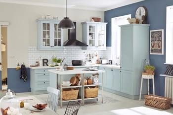 une cuisine ouverte avec d limitation au sol. Black Bedroom Furniture Sets. Home Design Ideas