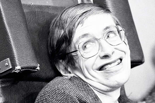 Stephen Hawking: biographie du physicien, ses livres, ses citations