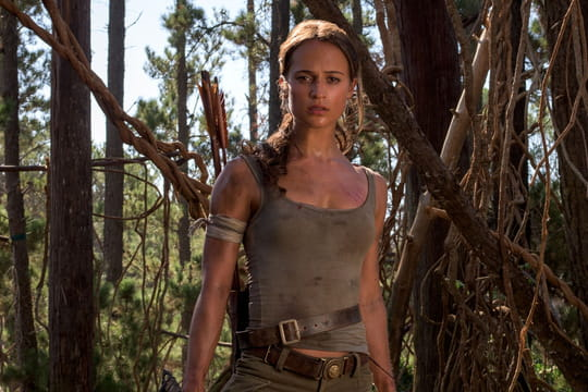 "Tomb Raider: Alicia Vikander se moque des ""seins pointus"" de Lara Croft"