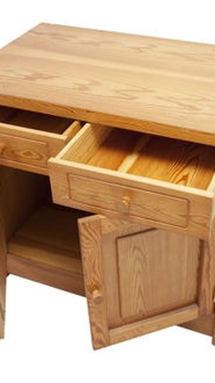 Morceau De Bois Brut nettoyer ses meubles en bois brut