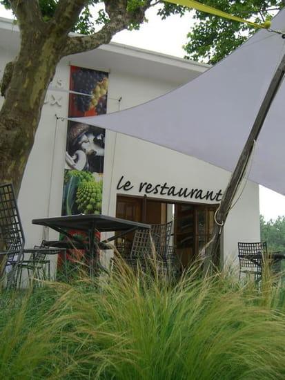 Le Restaurant  - Terrasse -   © YVES BRUNIER