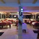Restaurant : Le Blanche Neige  - La salle de Restaurant  -