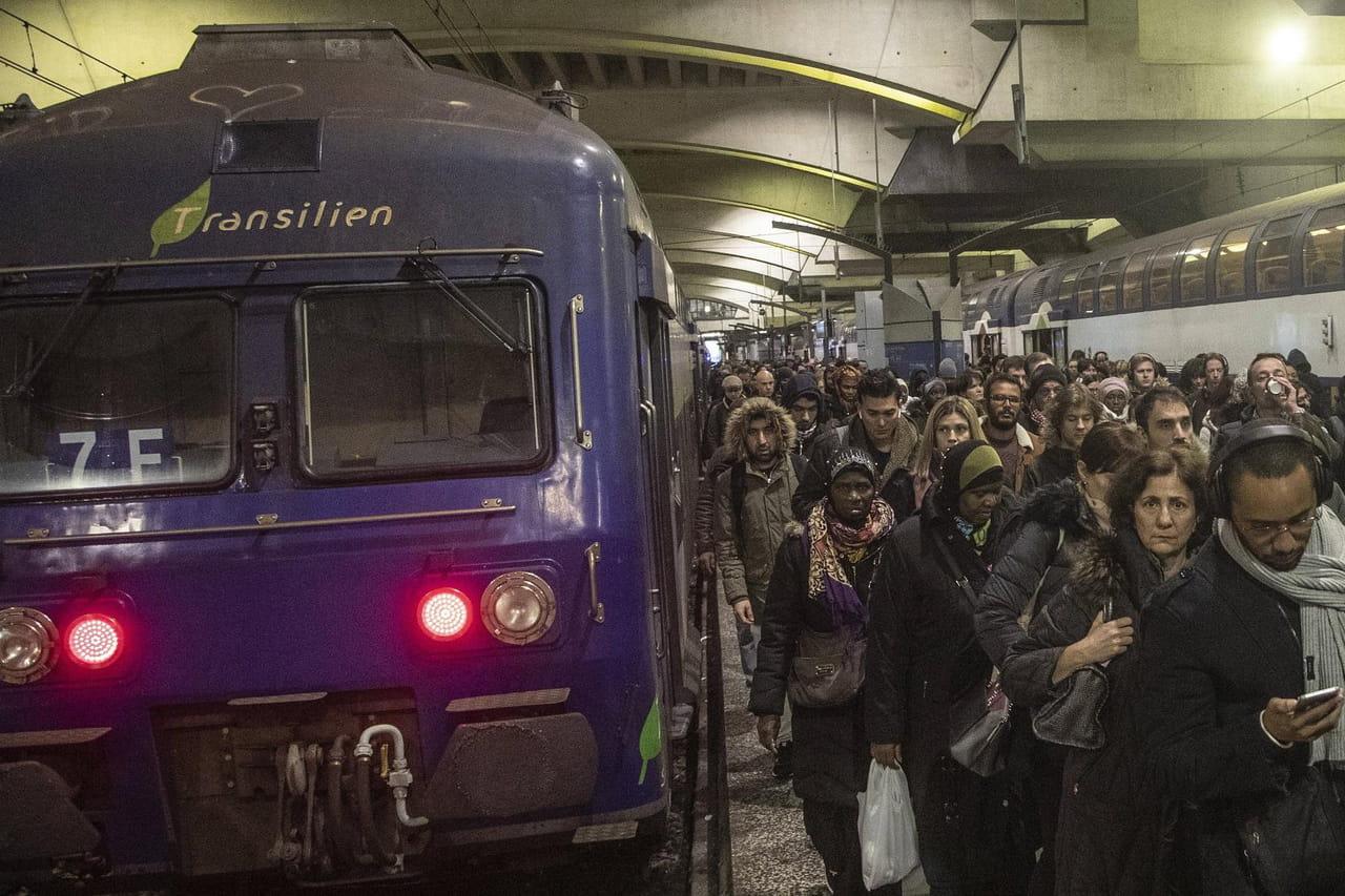[DIRECT] Grève RATP & SNCF: métros, RER... les transports parisiens au ralenti dimanche 5janvier