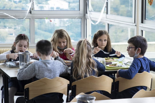 École et Covid: les nouvelles précisions de Jean-Michel Blanquer