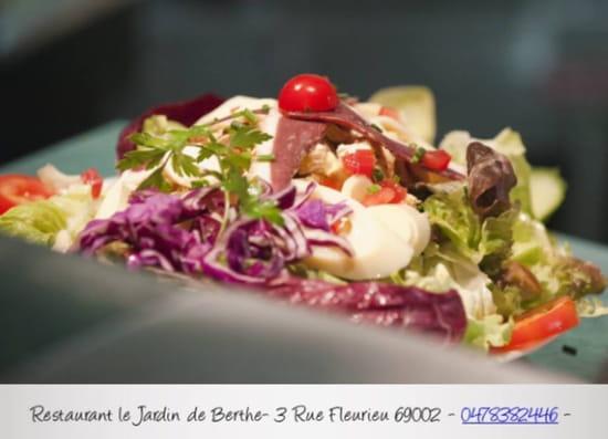 Jardin de Berthe Ainay  - Plus de 30 salades différentes: toutes gourmandes et elaborées à base de produit frais -   © jardindeberthe