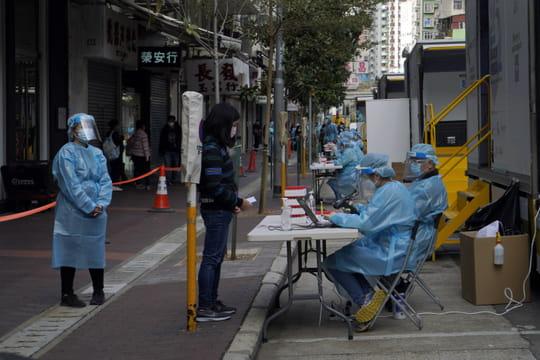 Coronavirus dans le monde: flambée des contaminations au Royaume-Uni, on fait le point par pays