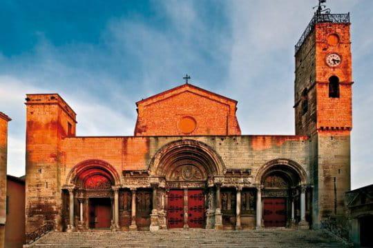 Emouvante abbaye de Saint-Gilles