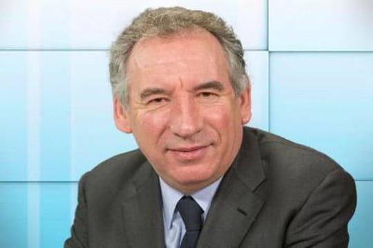 François Bayrou:François Bayrou contre les primaires, mais tend la main à Alain Juppé