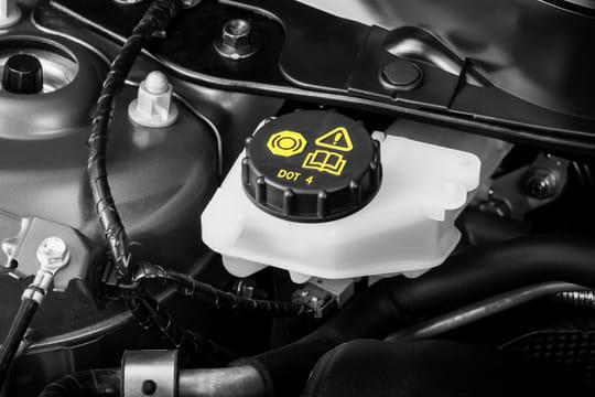 Liquide de frein: à quoi ça sert? Quand le changer et à quel prix?
