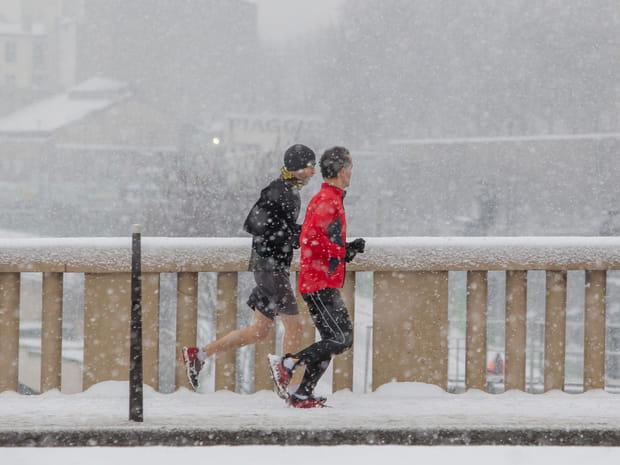 La France et Paris à nouveau sous la neige, en images