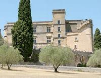 Les châteaux de France : Lourmarin