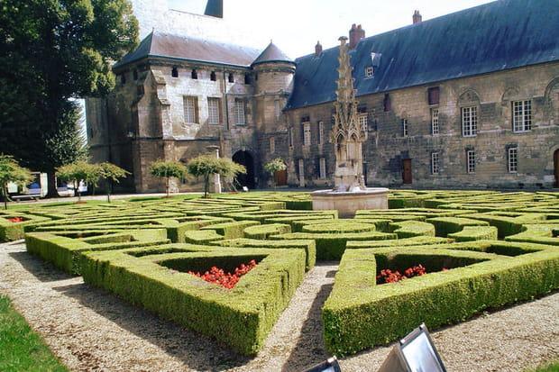Beauvais, la ville picarde très fleurie