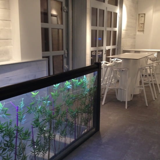 Restaurant : La Cave se Rebiffe  - Descente à la cave... -