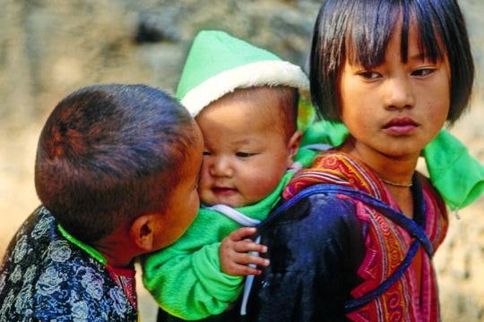 Enfants hmongs à Chiang Mai