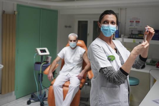 DIRECT. Coronavirus en France: colère sur les vaccins, des alertes sur le Covid mais un sursis jusqu'en mars?