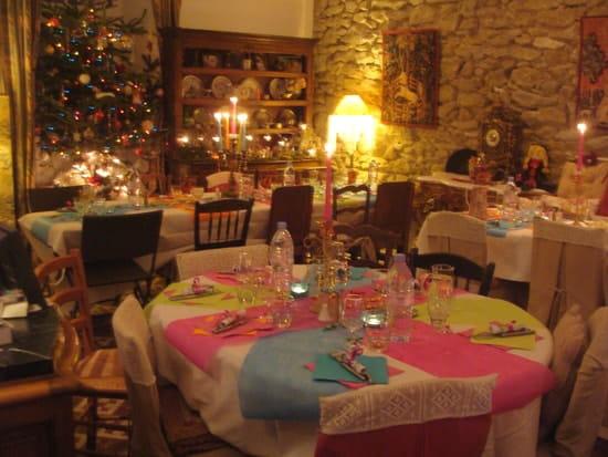 La Table Ronde des Chevaliers  - salle du restau fêtes Noël -
