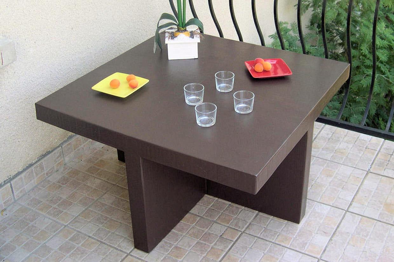 une table basse en carton. Black Bedroom Furniture Sets. Home Design Ideas