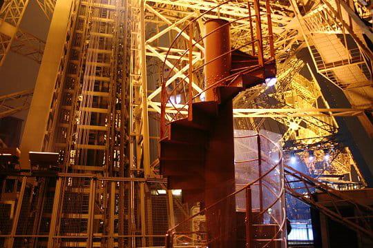 Vestige de l 39 escalier original - Escalier de la tour eiffel ...