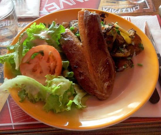 Chez Papa 10eme  - Steak de canard -   © cp