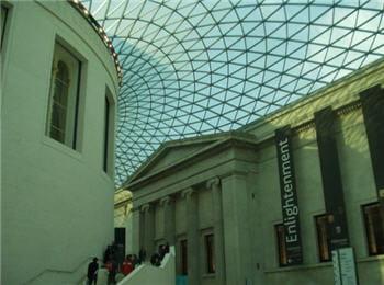 le science museum de londres attire les visiteurs, à l'image du british museum