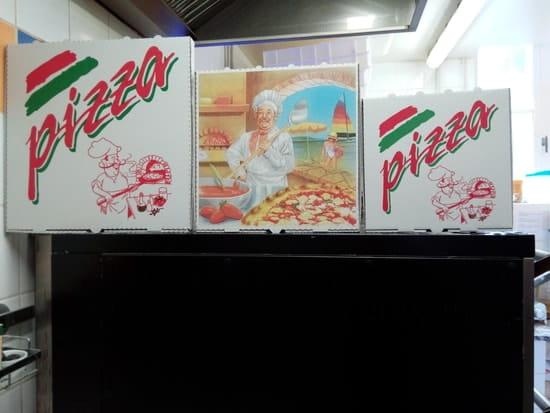 Le Chalet  - nos 3 tailles de pizzas à EMPORTER -   © corinne barreau