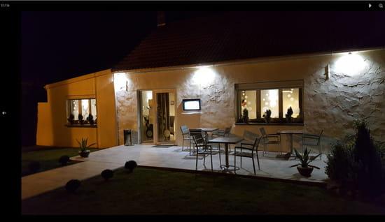 Restaurant : LA CLEF DES SAVEURS  - Terrasse le soir -   © La Clef des Saveurs
