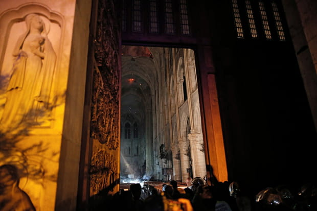 L'intérieur de la cathédrale lundi soir