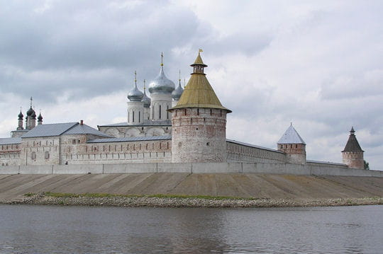 Le monastère Makarevski sur la Volga en Russie