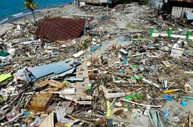 Indonésie: le bilan dépasse 1.400morts, l'espoir de retrouver des survivants s'éloigne